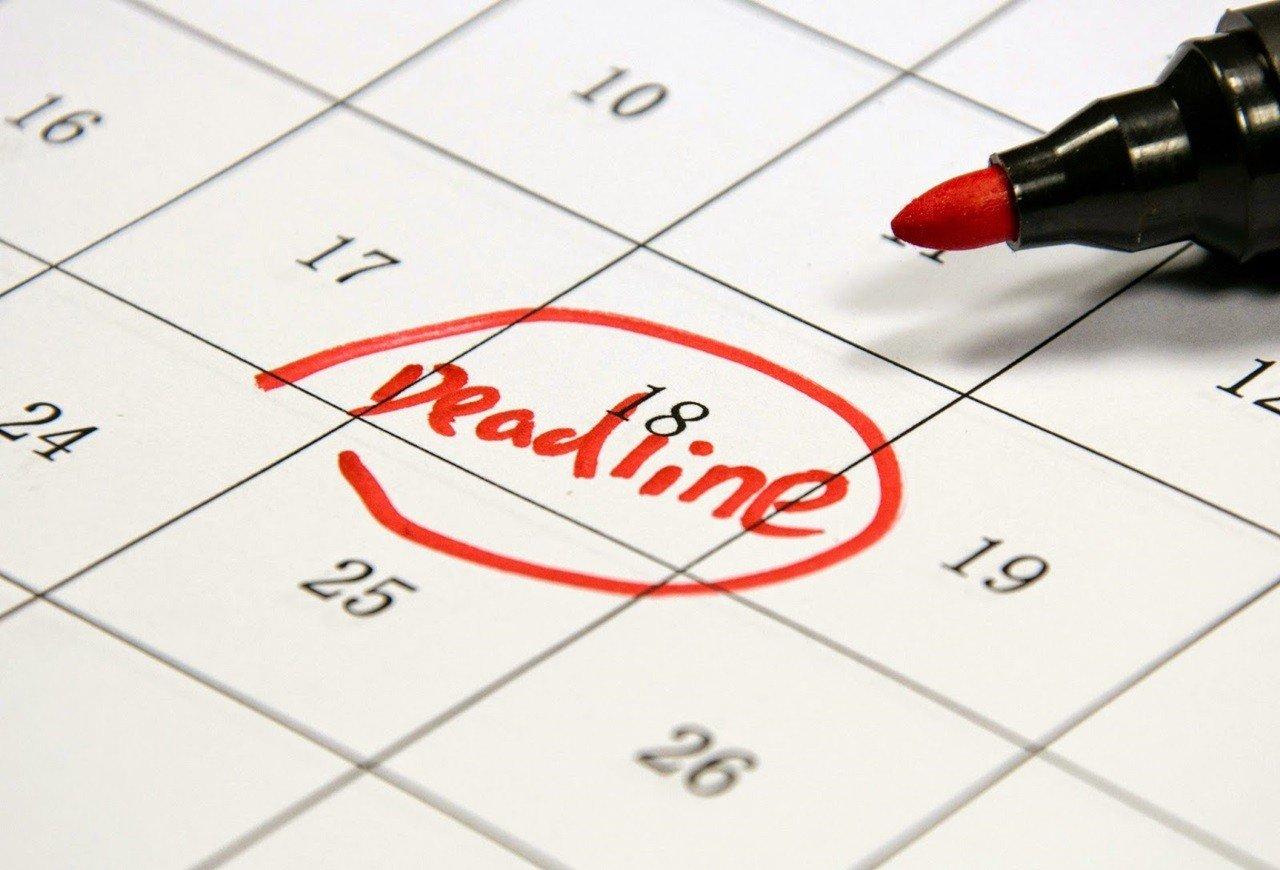 Lưu ý deadline của từng loại học bổng để không nộp đơn trễ hạn nhé.