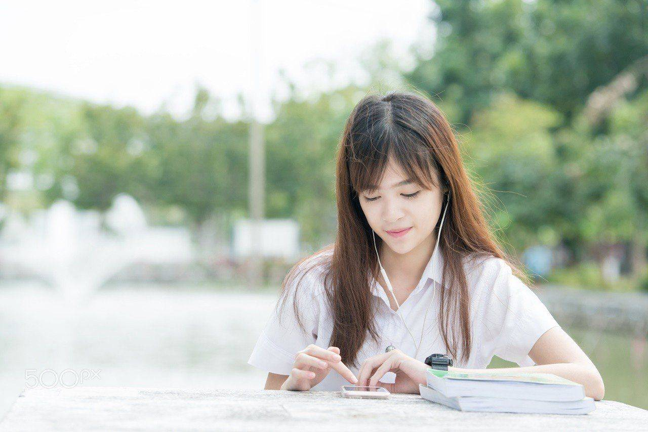 Điện thoại sẽ dễ làm bạn xao nhãng việc học
