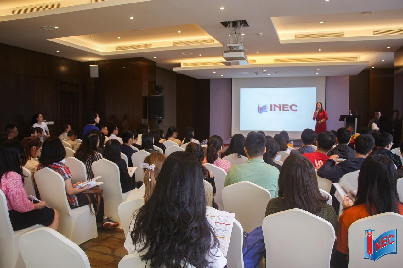 Khán phòng đầy ắp khách tham dự Hội thảo du học châu Âu do công ty INEC tổ chức
