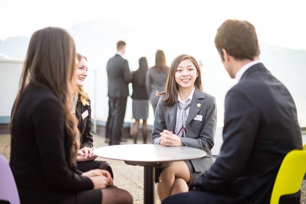 Sinh viên ngành nhà hàng khách sạn Thụy Sĩ