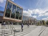 Giảm áp lực tài chính với học bổng du học Anh đến 8.000 GBP từ Study Group