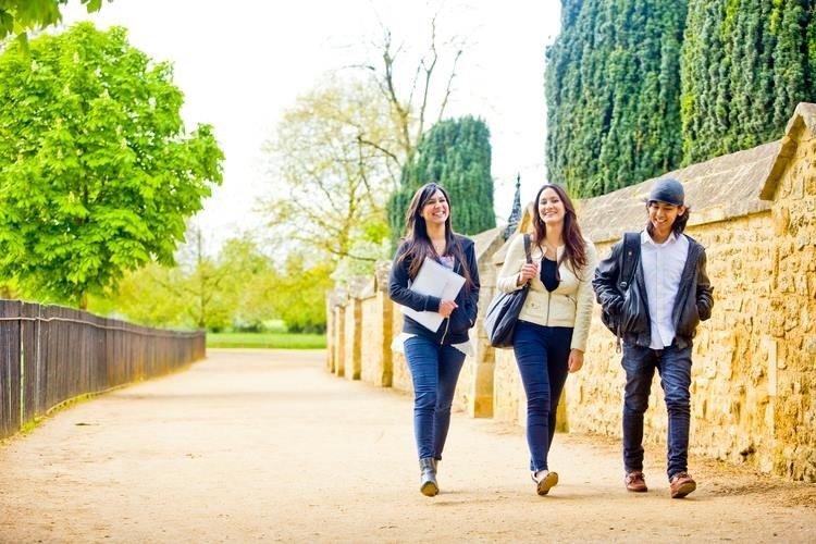 Top 5 lý do chọn học tại trường Cao đẳng Bellerbys 2