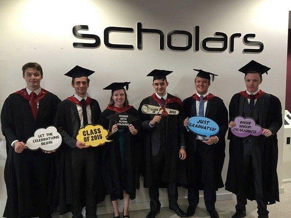 Sinh viên UCLan tốt nghiệp