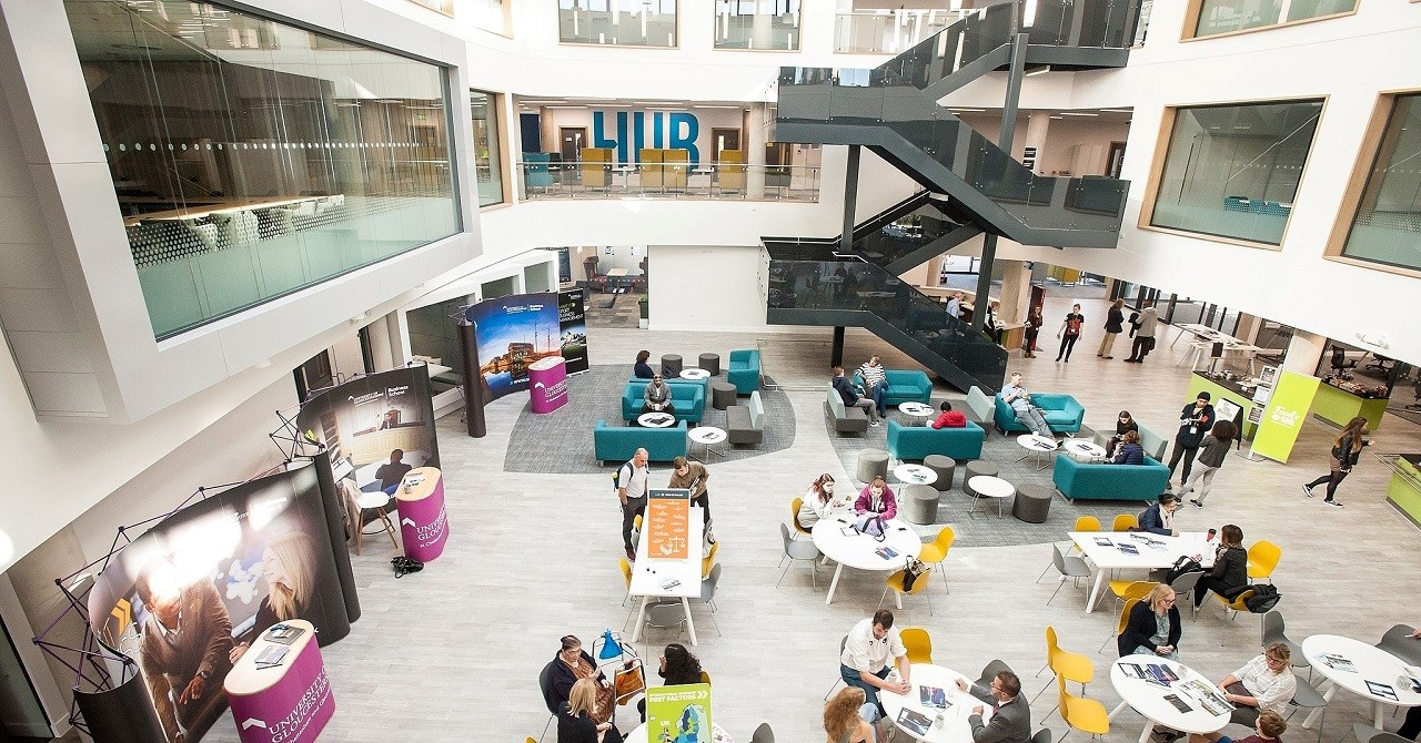 Học bổng du học Anh 50% Đại học Gloucestershire 3