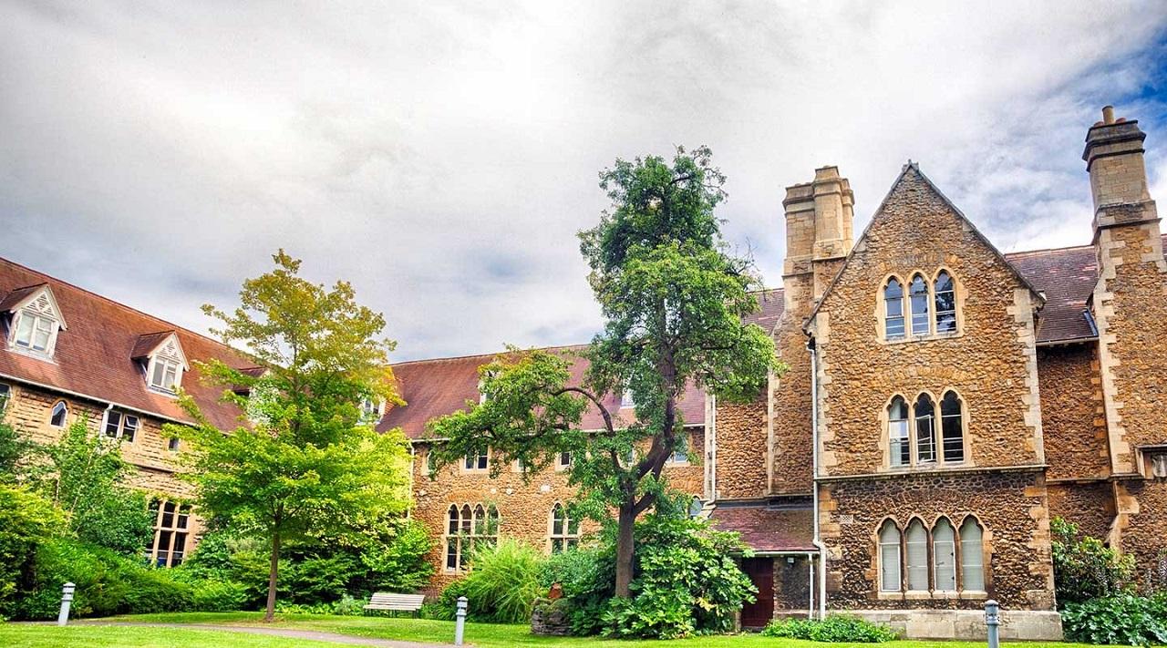 Cơ sở đào tạo của trường tại Francis Close Hall