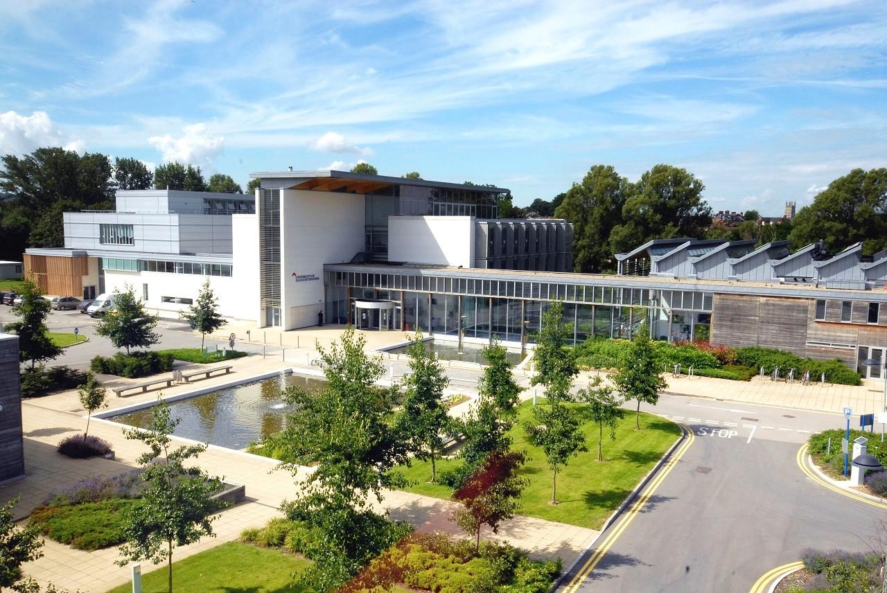 Học bổng du học thạc sĩ Anh Quốc đến 50% từ Đại học Gloucestershire 1