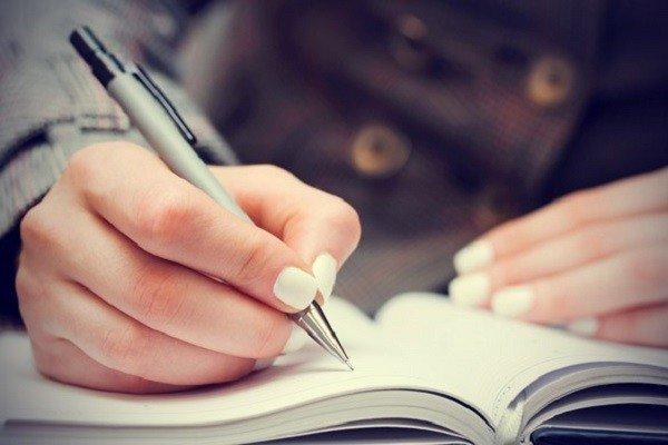 Ghi chép, viết blog là cách để rèn luyện khả năng nghe và diễn đạt