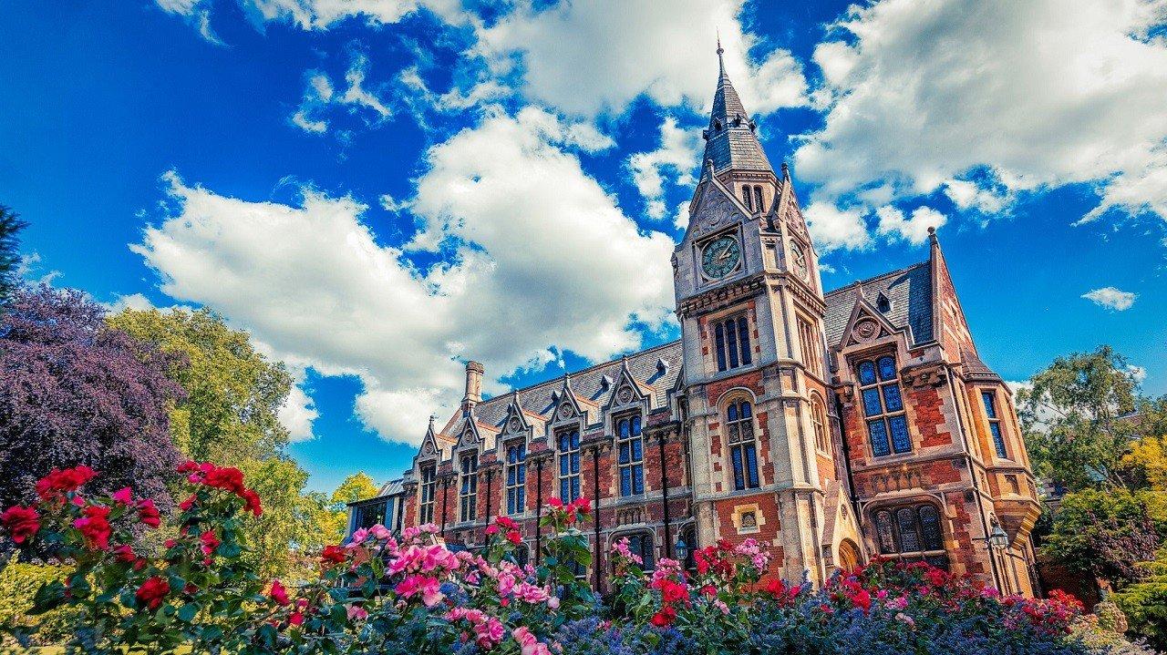 Russell là nhóm 24 trường đại học nghiên cứu hàng đầu nước Anh