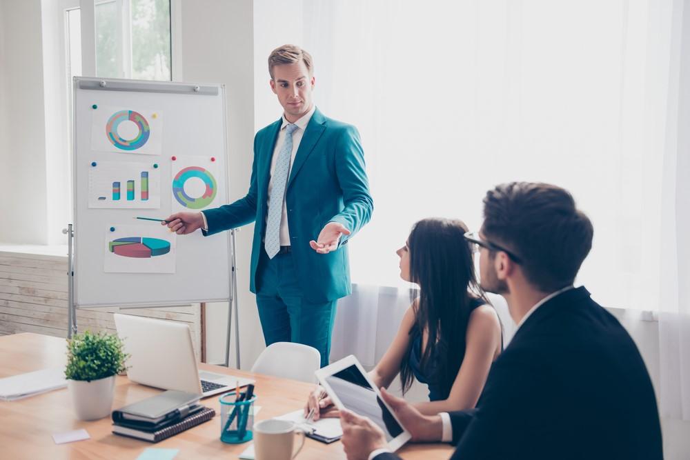 """Kinh doanh và Quản lý là """"mảnh đất màu mỡ"""" cho các bạn trẻ. Ảnh: Shutterstock"""