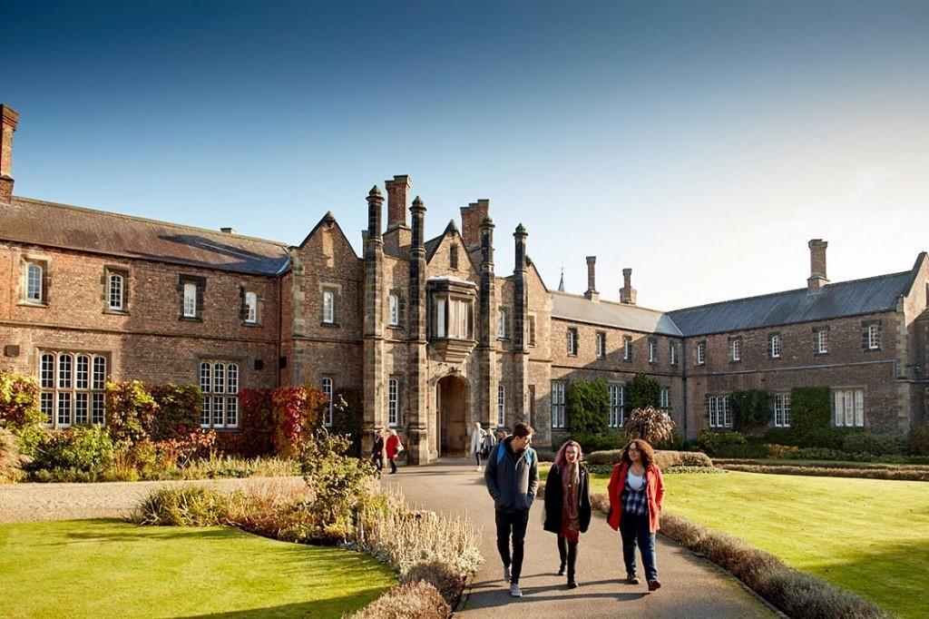 Du học Anh chi phí thấp tại Đại học York St John