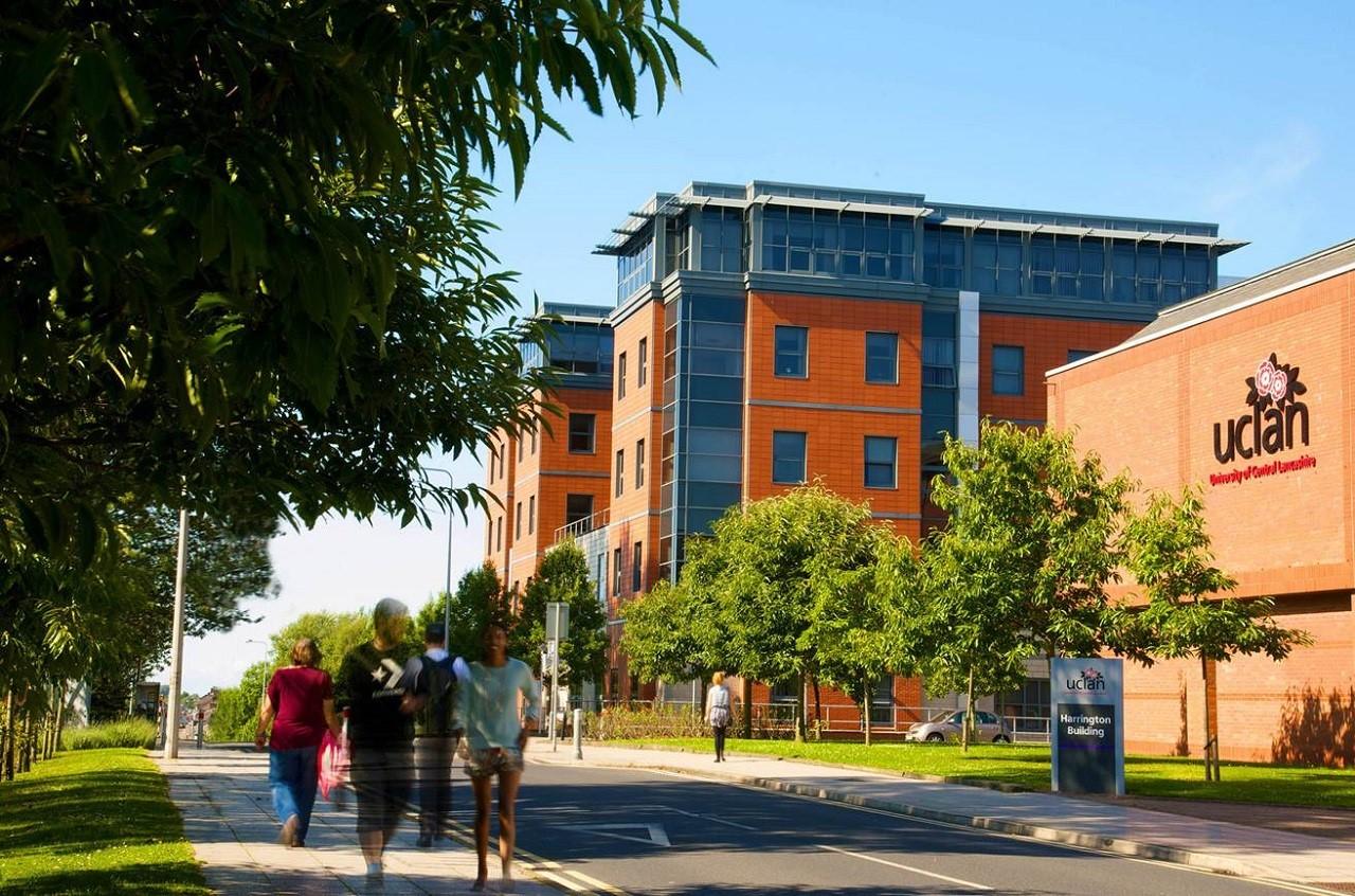 Du học Anh chi phí thấp - Đại học Central Lancashire