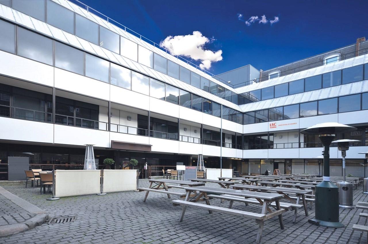 Du học Anh chi phí thấp - Trường Thương mại London (LSC)
