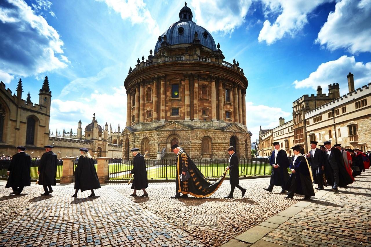 Oxford đang đứng đầu bảng xếp hạng trường đại học tốt nhất thế giới