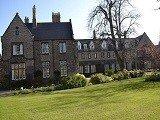 Chi phí du học Anh tại trường Đại học York St John