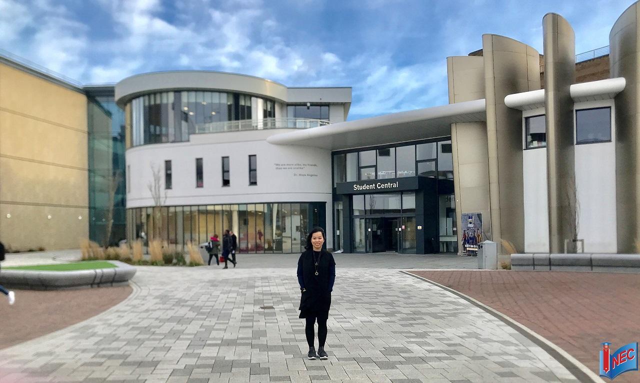 Đại diện Du học INEC thăm trường Huddersfield hồi tháng 3/2019