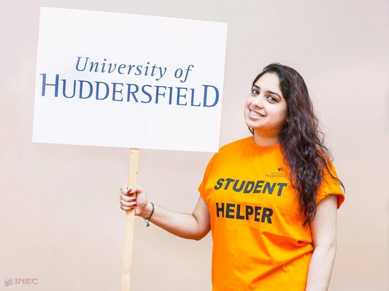 Huddersfield đang triển khai nhiều chương trình học bổng trị giá đến 50% học phí