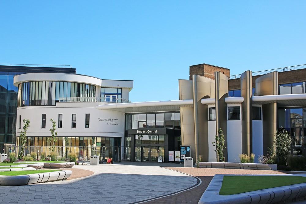 Huddersfield mang đến cơ hội học top-up ở nhiều lĩnh vực