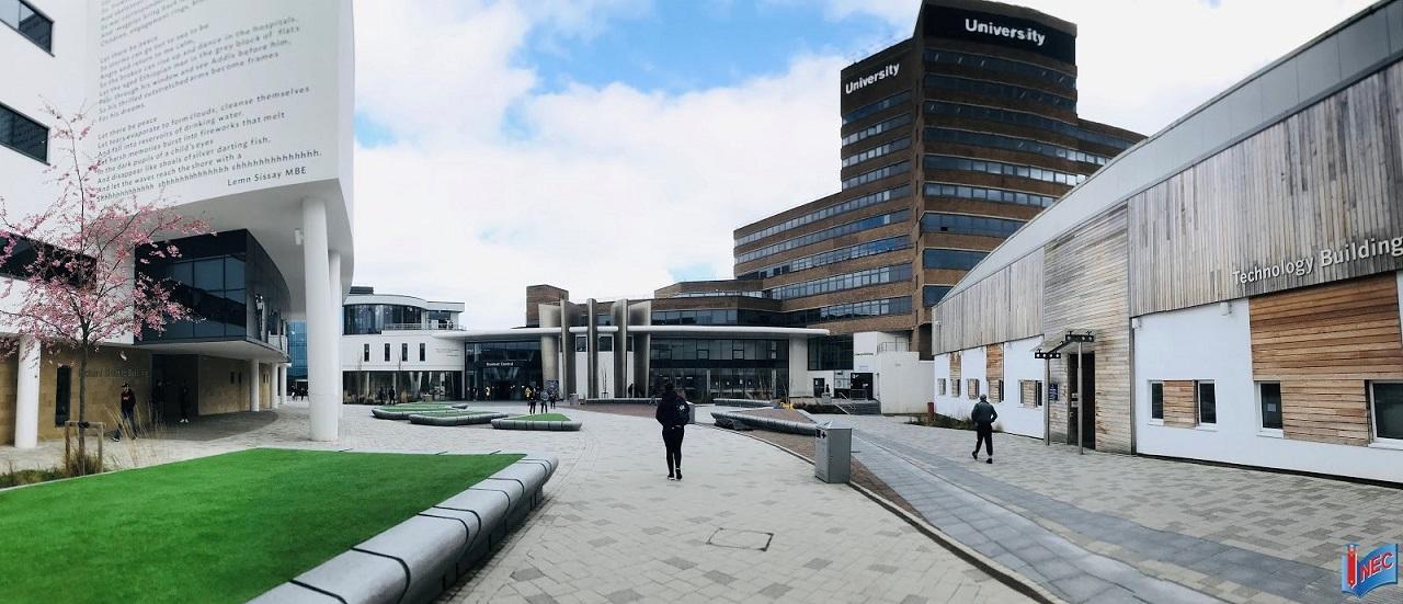 100% sinh viên được thực tập, làm việc tích lũy kinh nghiệm tại Huddersfield