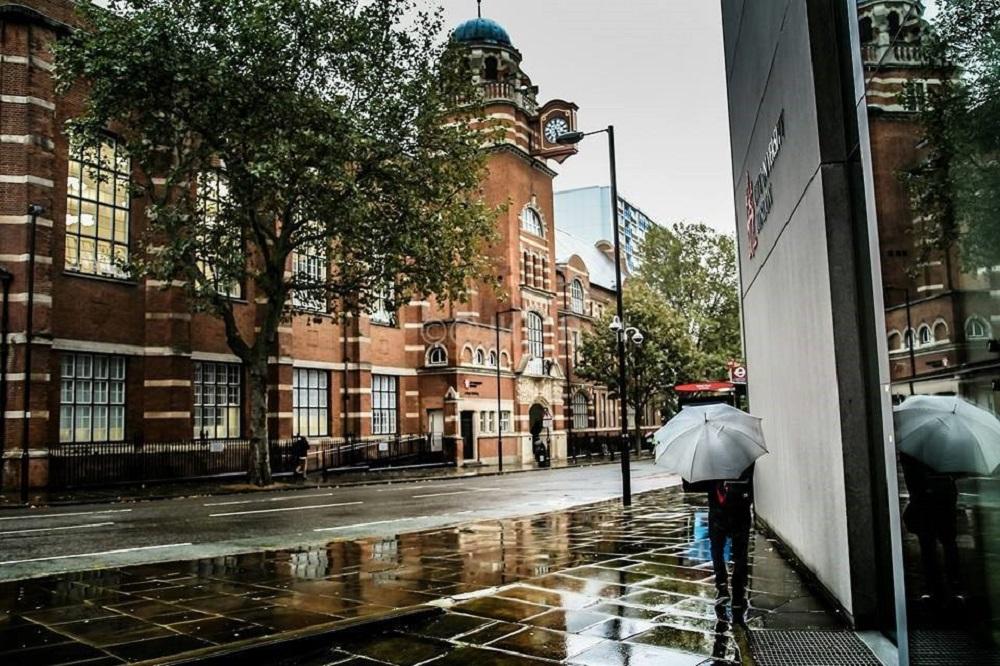 Du học Anh Quốc tại Đại học City London không còn quá khó với INTO