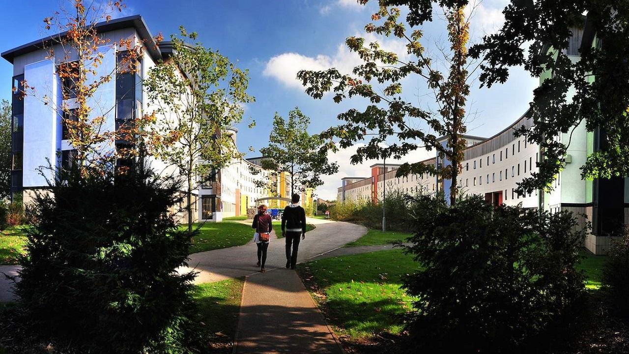INTO UEA tọa lạc ngay trung tâm khuôn viên trường đại học