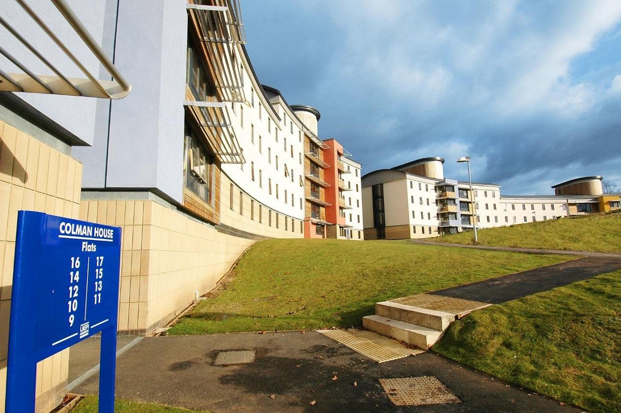 Cơ hội nhận bằng từ các trường đại học top đầu Anh Quốc với INTO UEA