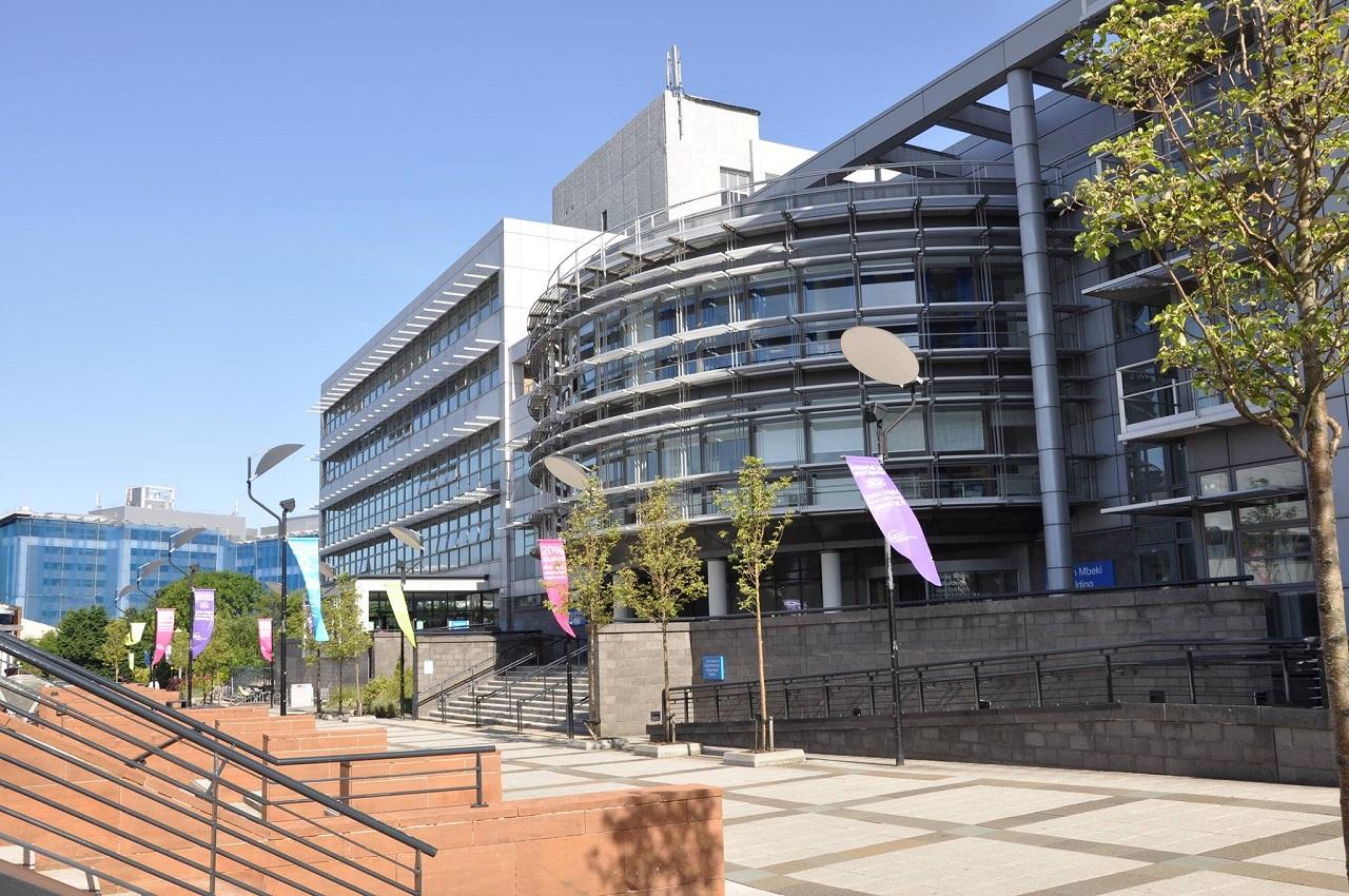 Trường tọa lạc tại Glasgow – Điểm đến tuyệt vời nhất thế giới