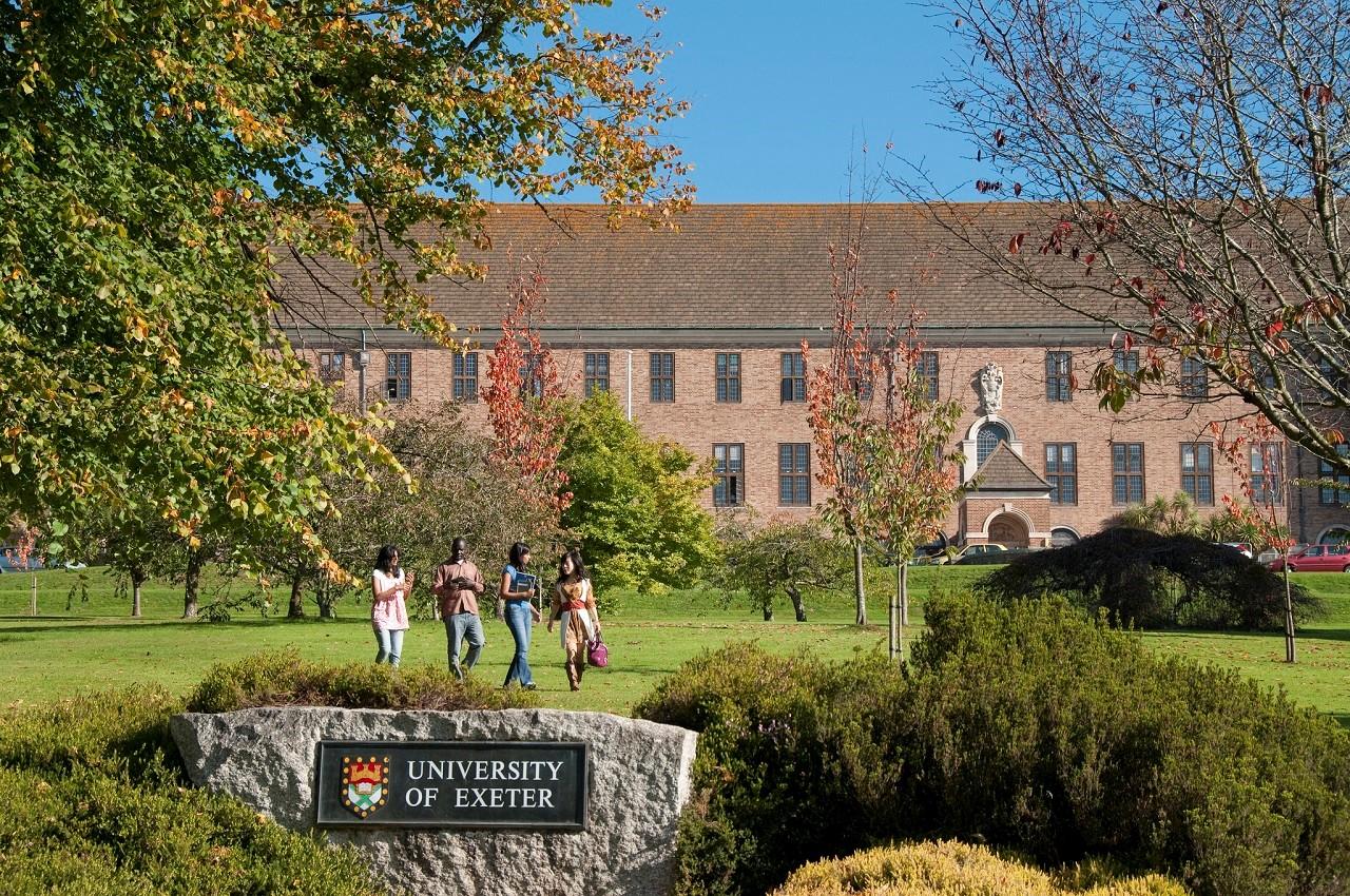 Học bổng chương trình chuyển tiếp bậc cử nhân, thạc sĩ vào Đại học Exeter Anh Quốc