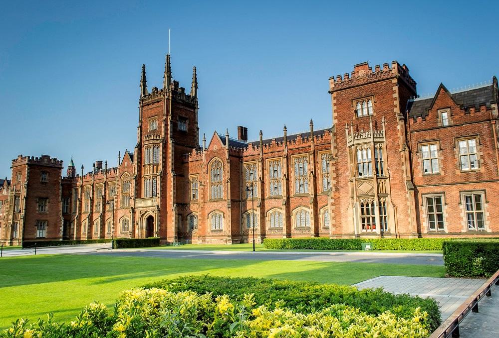 Queen's Belfast thuộc nhóm 1% đại học tốt nhất thế giới