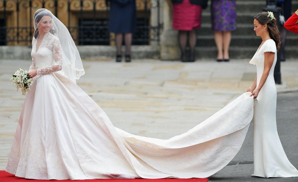 Chiếc váy cưới thế kỷ của Công nương Kate Middleton