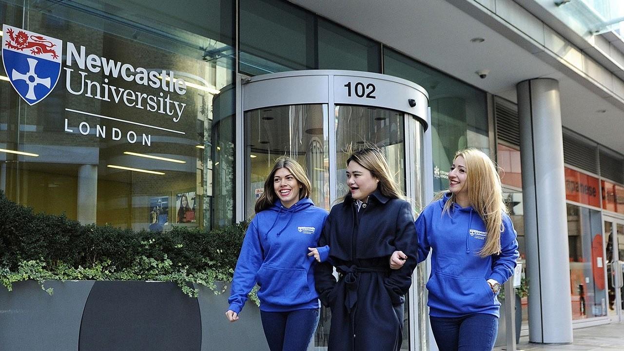Đại học Newcastle thuộc top 1% trường dạy kinh doanh tốt nhất thế giới
