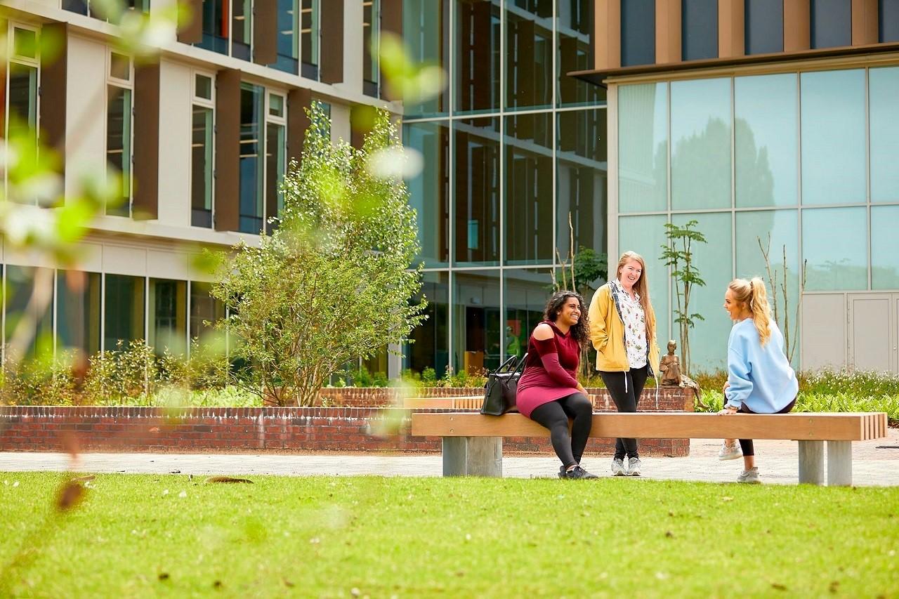 Học bổng du học Anh đến 50% kỳ tháng 1/2019