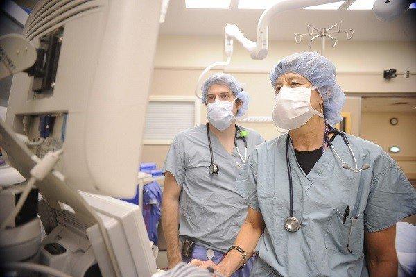 Chương trình thực tập lâm sàng hấp dẫn tại Anh, Mỹ và các nước khác