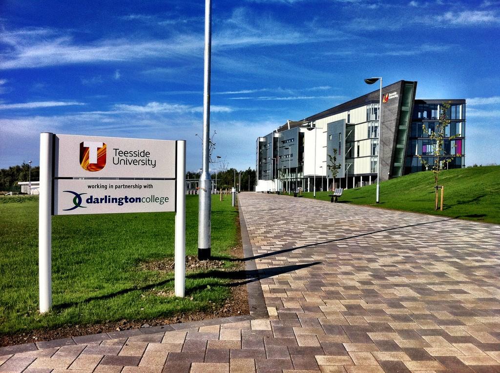 Đại học Teesside tuyển sinh các chương trình học năm 2017