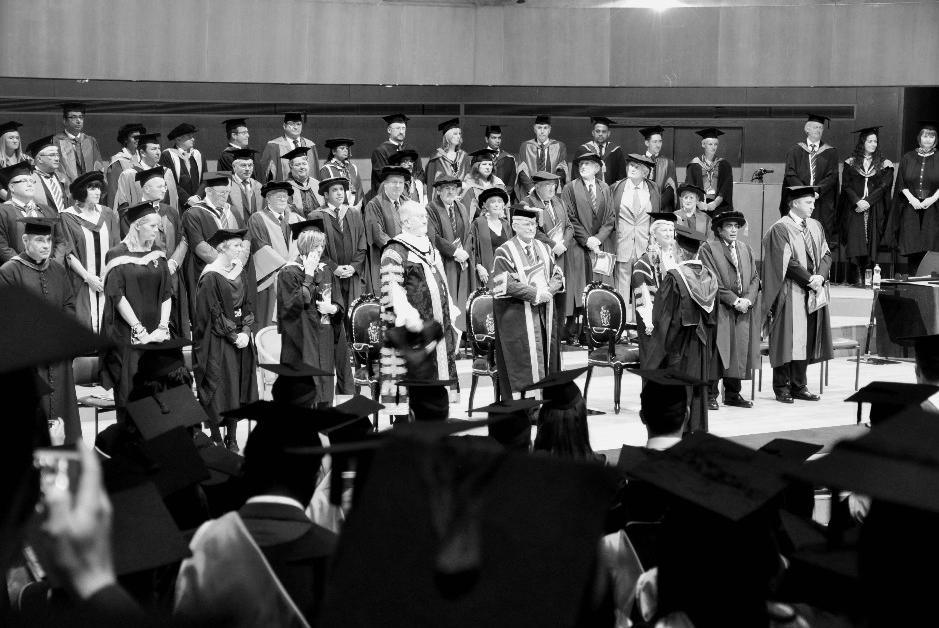 Là chương trình phối hợp giữa nghiên cứu và thực hành nên tính thực tiễn của DBA sẽ cao hơn chương trình PhD thông thường