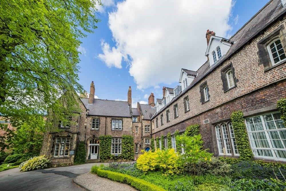 Du học MBA Anh Quốc tại Đại học York St John không yêu cầu kinh nghiệm làm việc