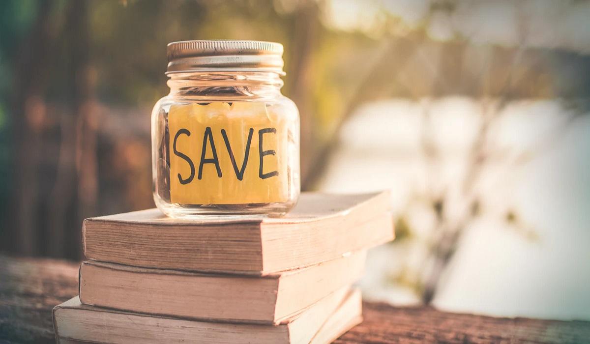 Sinh viên du học Bỉ mua sách cũ để tiết kiệm chi phí