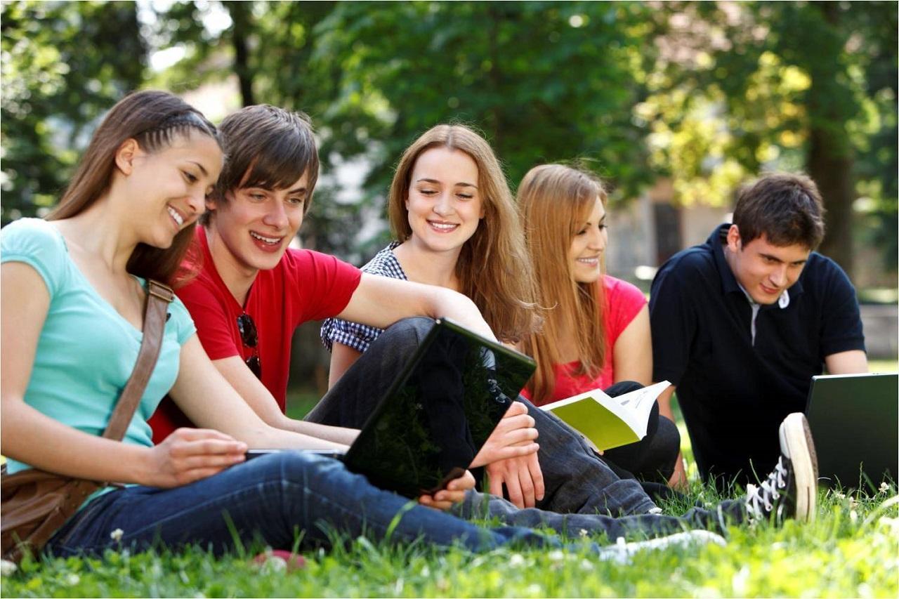 Tùy trường, chương trình học mà sinh viên du học Bỉ phải trả các mức học phí khác nhau