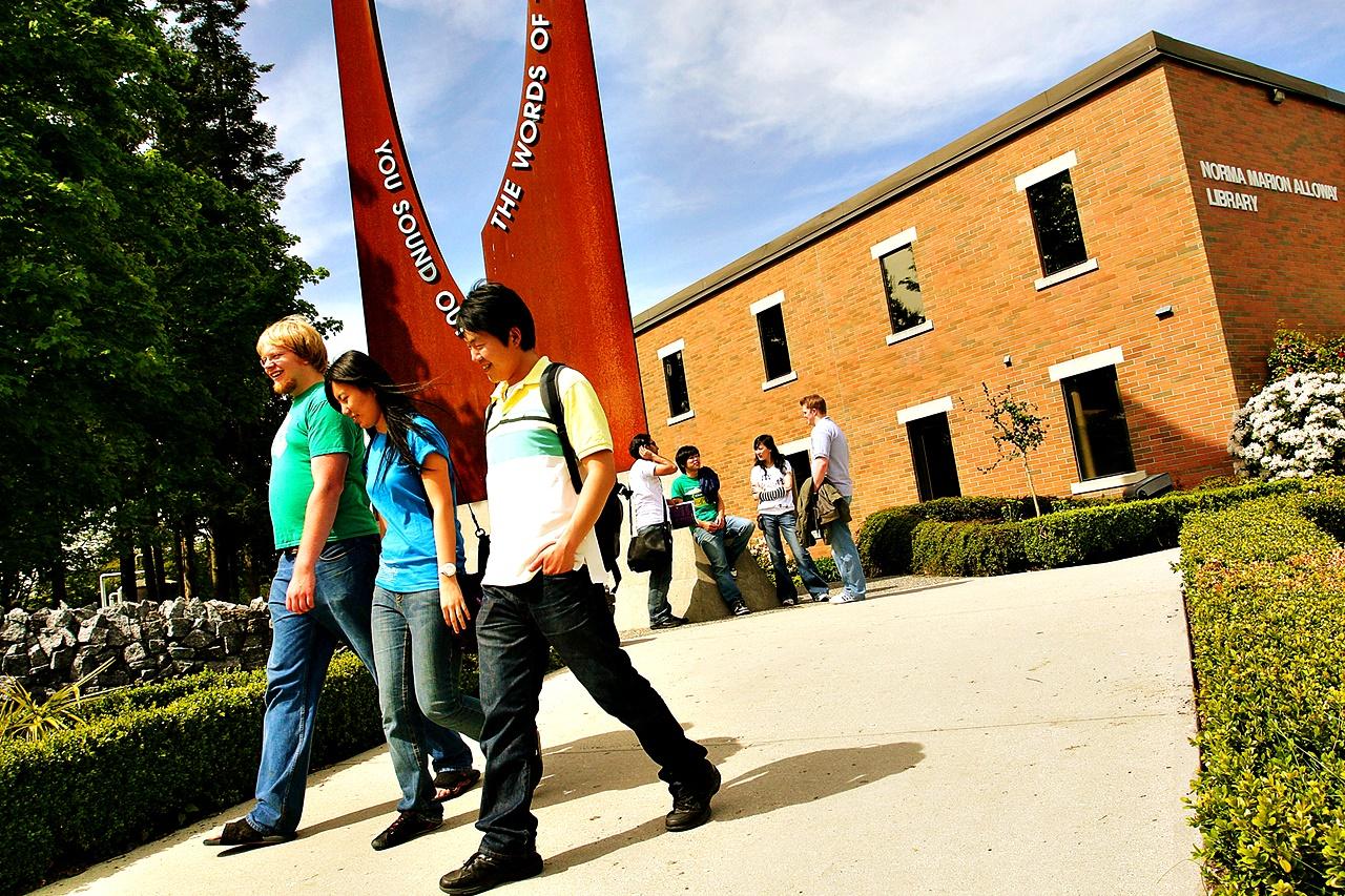 du học canada tại Đại học Trinity