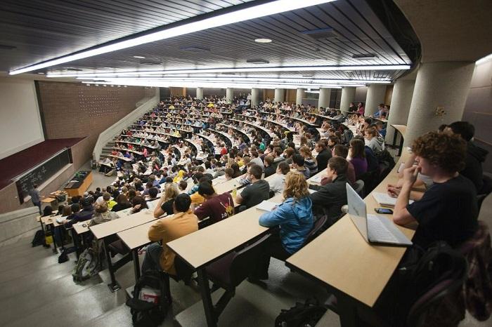 Du học Canada trường top đầu có khó không