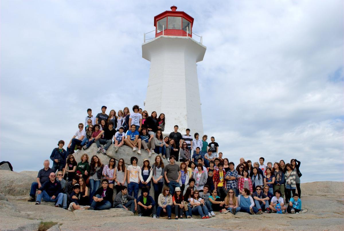Du học sinh Chương trình Trung học Nova Scotia
