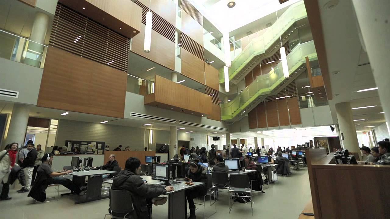 du học Canada ngành phân tích kinh doanh tại Centennial College