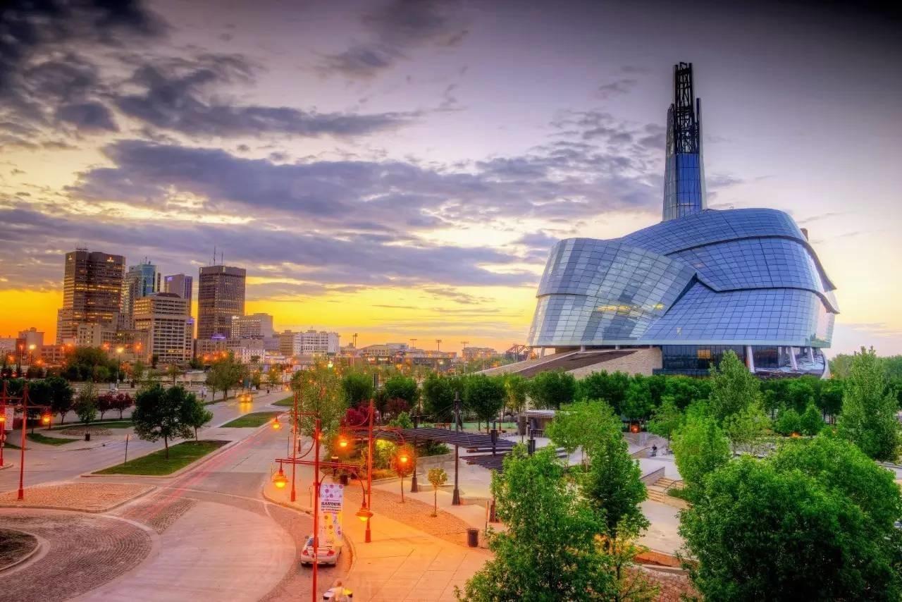 Đặc biệt, Manitoba còn nổi tiếng với chính sách hoàn trả 60% học phí cho SV quốc tế