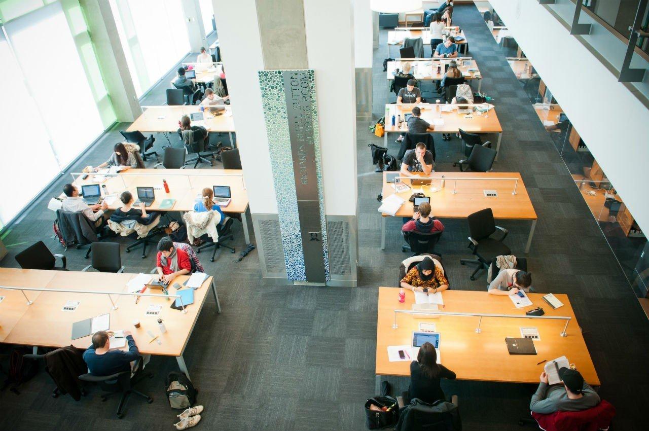 ĐH Simon Fraser - môi trường giáo dục toàn diện nhất Canada