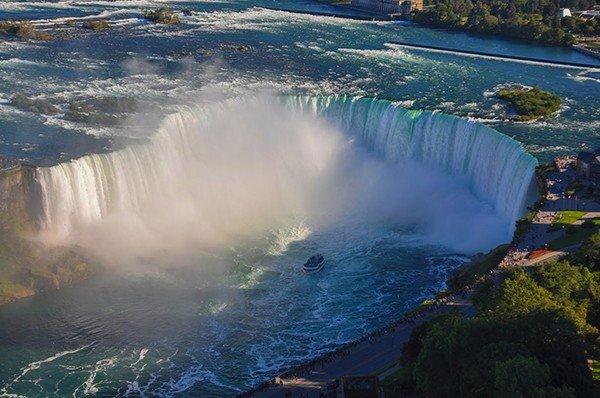 Thác Niagara hùng vĩ ở Canada