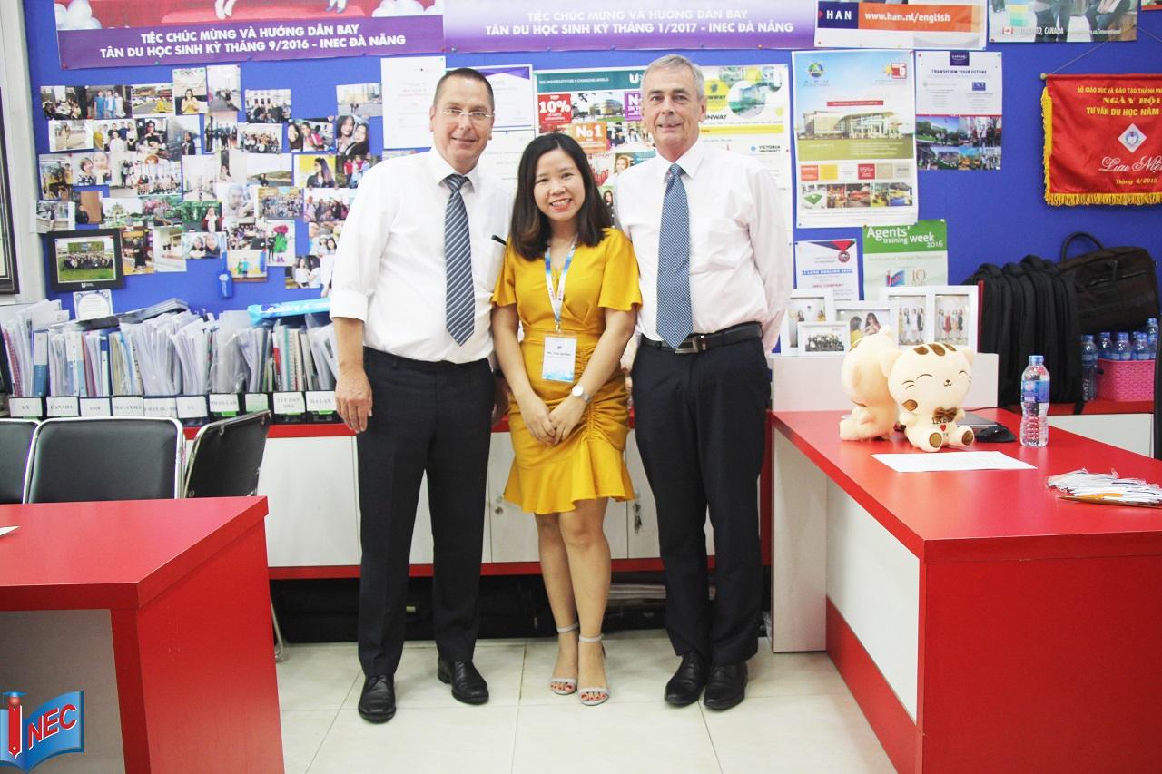 Đại diện Đại học KHUD HAN và Du học INEC tại văn phòng Đà Nẵng