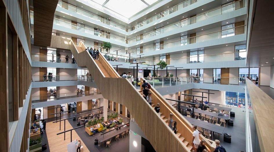 Không gian bên trong Đại học KHUD Rotterdam