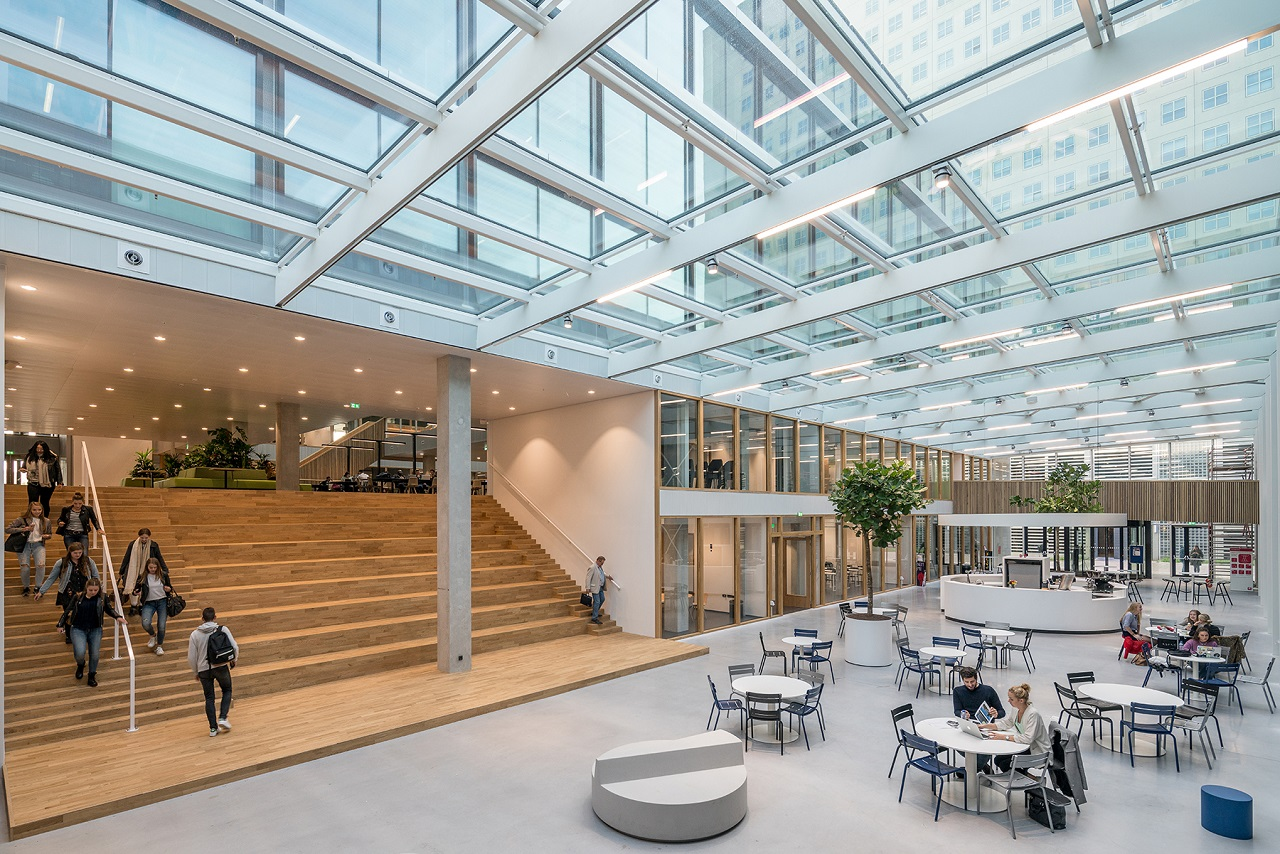 Không gian hiện đại của Đại học KHUD Rotterdam