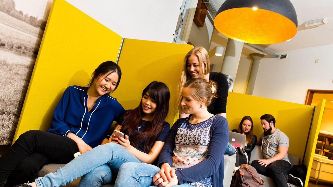 Dễ dàng kết bạn quốc tế khi học tập tại Đại học KHUD Saxion