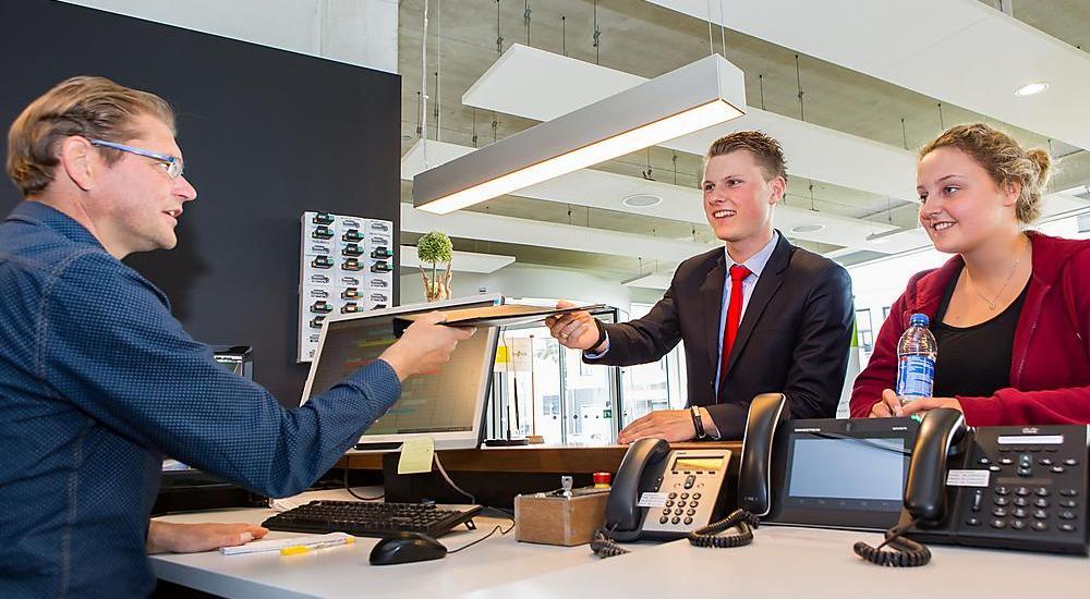 Sinh viên Đại học KHUD Saxion trải nghiệm công việc thực tế trong ngành nhà hàng khách sạn