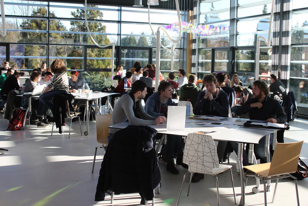 Sinh viên tham gia chương trình chuyển tiếp có thời gian để làm quen các phương pháp và kỹ năng học tập phù hợp với Mô hình giáo dục Twente